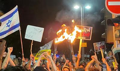 Cukorka és furkósbot: nem megy • Erőszakba torkolló tüntetések Tel Avivban és Jeruzsálemben • Vendéglátás, turizmus, kultúra: lassú halálra ítélve?