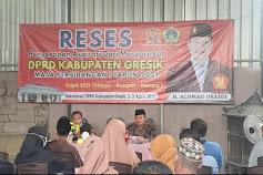 Reses, Politisi Gerindra Diwaduli Bedah Rumah dan Kartu Gresik Sehat