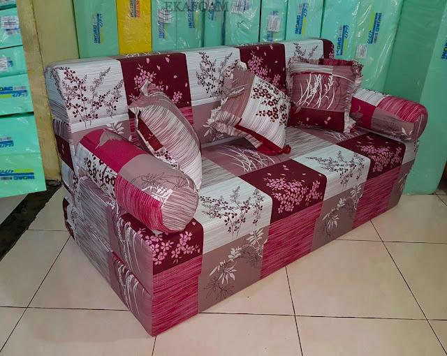 Sofa bed inoac motif padi merah posisi sofa