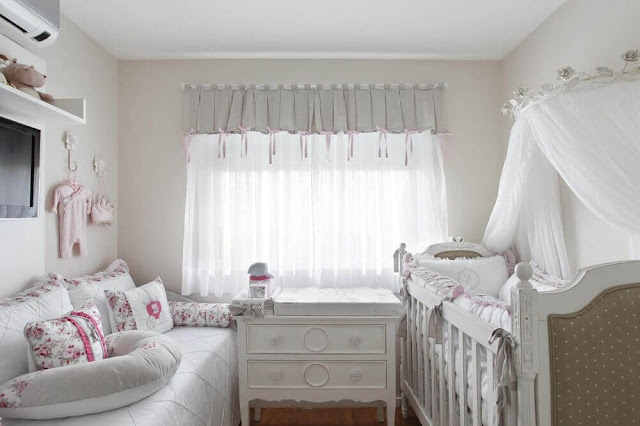 Beautiful all-white baby room decor