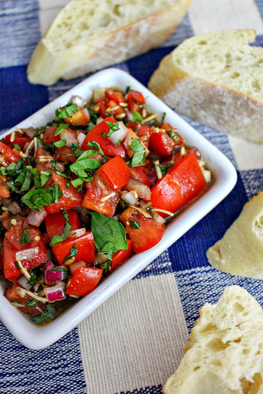 bruscheta with tomato and basil