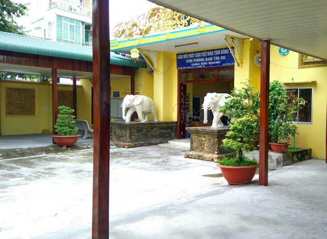 chùa hai con voi Sa Đéc