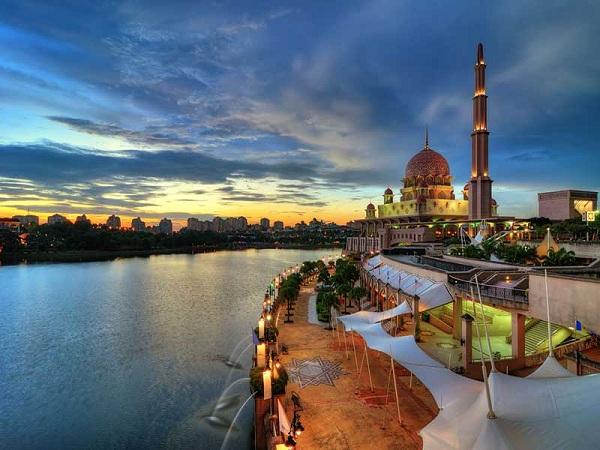 Thành phố mới Putra Jaya