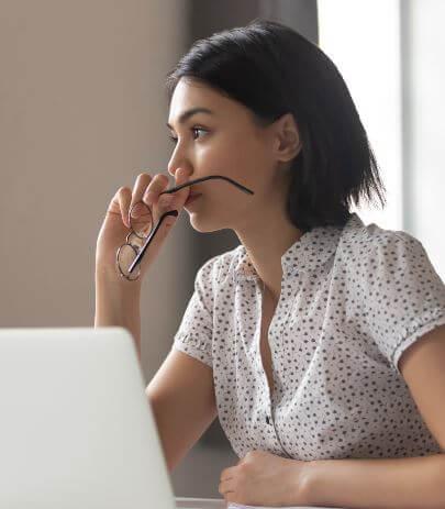 كيف تطور مهاراتك في صنع القرار: 12 نصيحة