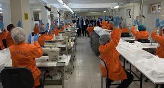 نزلاء السجون ينتجون الكمامات الطبية في تركيا