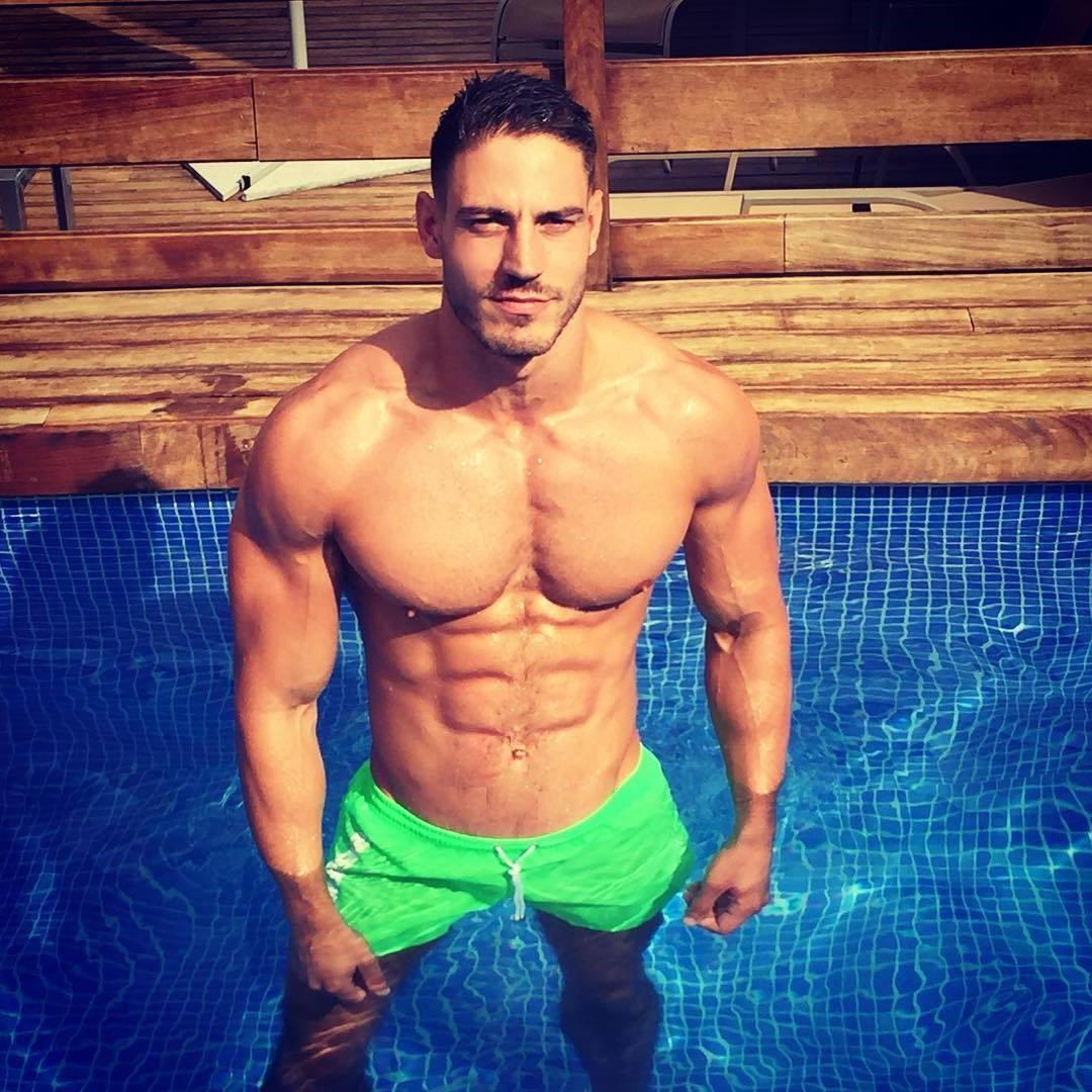 lluis-tura-shirtless-pictures-ari-atken-grown-up-sean-faris-sexy-muscle-body-drew-roy
