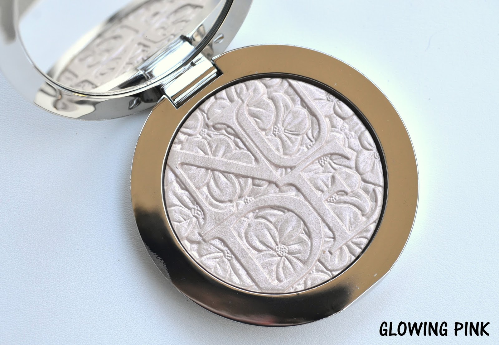 MAKEUP | Diorskin Nude Air Glowing Gardens Illuminating Powder in Glowing  Pink and Glowing Nude (Review & Swatches)