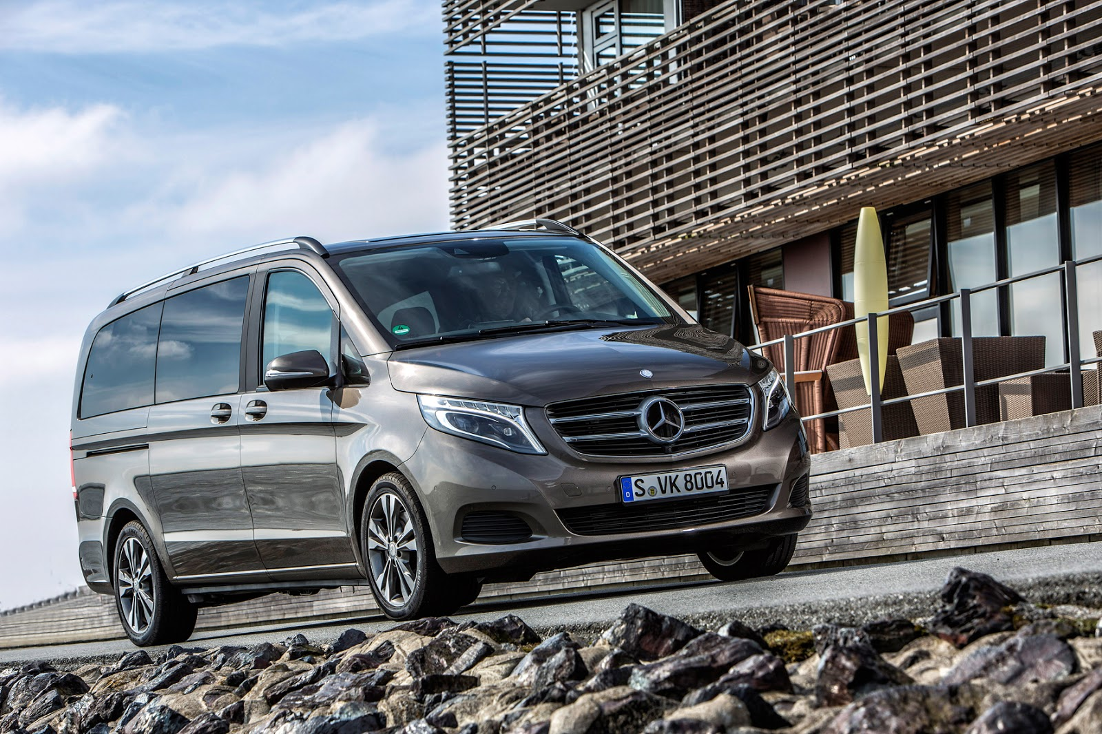 Luxury Family Vehicles: Mercedes-Benz V-Class, The Ultimate Luxury Family Car