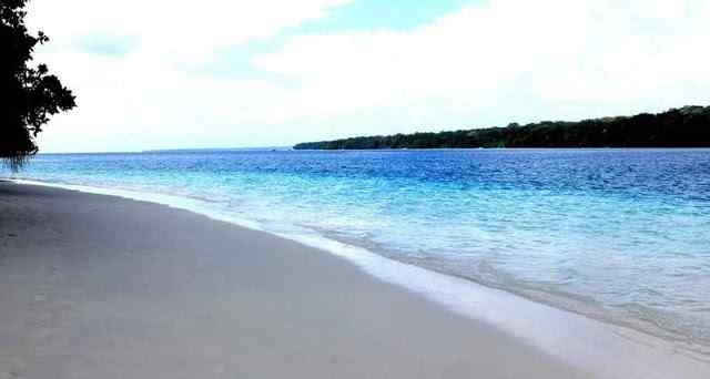 Pantai Carita Sangat Populer di Banten