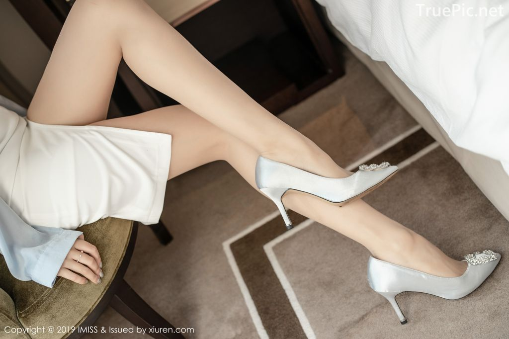Image-IMISS-Vol.381-Sabrina model–Xu-Nuo-许诺-Sexy-Lingerie-under-Office-Uniform-TruePic.net- Picture-4