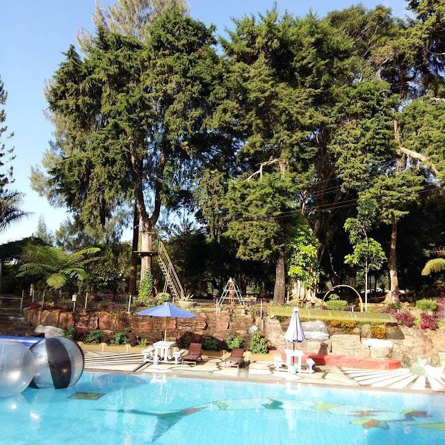 foto kolam renang kopeng jateng