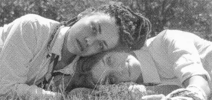Partindo do universo criado por Jeffrey Eugenides na obra literária  As Virgens Suicidas (1993), Lisbon Sisters pretende desbravar e desenvolver  alguns dos pontos e temáticas propostas na obra original.