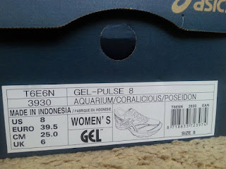 Informacja na pudełku butów Asics Gel Pulse 8 damskie: model T6E6N, kolor 3930 Aguarium/Coralicious/Poseidon