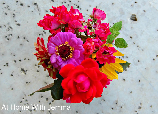 zinnia, rose, sunflower, bouquet, book, bloom, homegrown, flowers, athomewithjemma.com