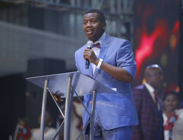 Pastor Adeboye Donates N10m To UCH Ibadan, Promises To Give N20m More (Photos)
