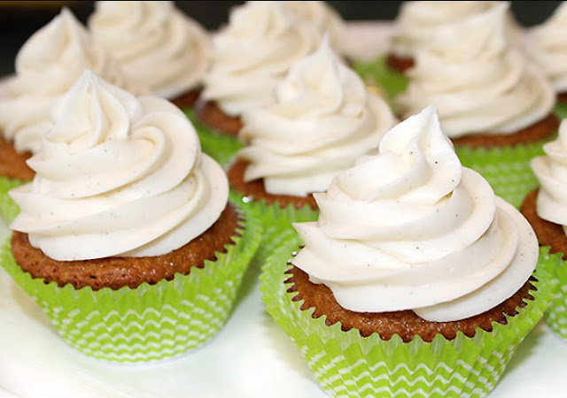 Vanilla Bean Cream Cheese Frosting #desserts #cakes