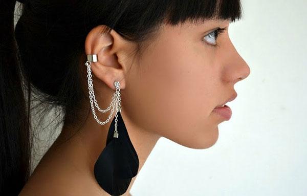 Ù tai, nóng tai, ngứa tai là điềm báo gì?