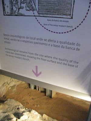 sinalização de ruínas no Centro Interpretativo dos Descobrimentos na Casa do Infante