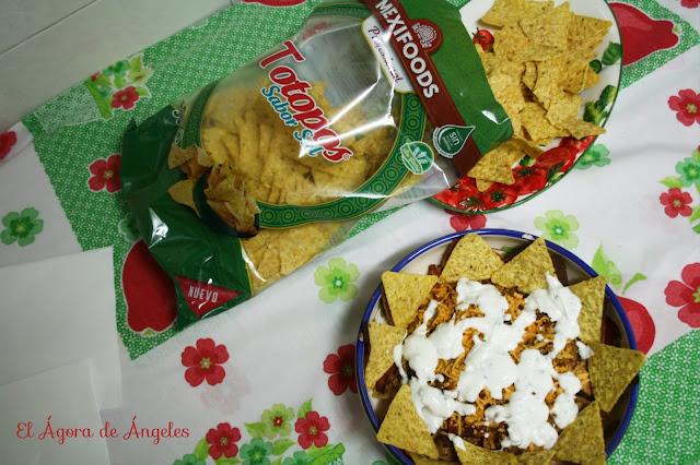 totopos, nachos con carne