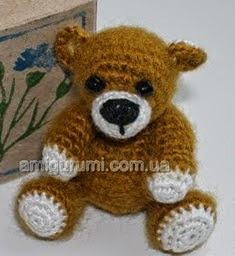 http://translate.googleusercontent.com/translate_c?depth=1&hl=es&rurl=translate.google.es&sl=ru&tl=es&u=http://amigurumi.com.ua/pattern/38-dlya-profi/96-mini-medvezhonok-iz-irisa-i-mohera&usg=ALkJrhhTPhu0Pk7ciqppaLSvBFilXSkZeQ