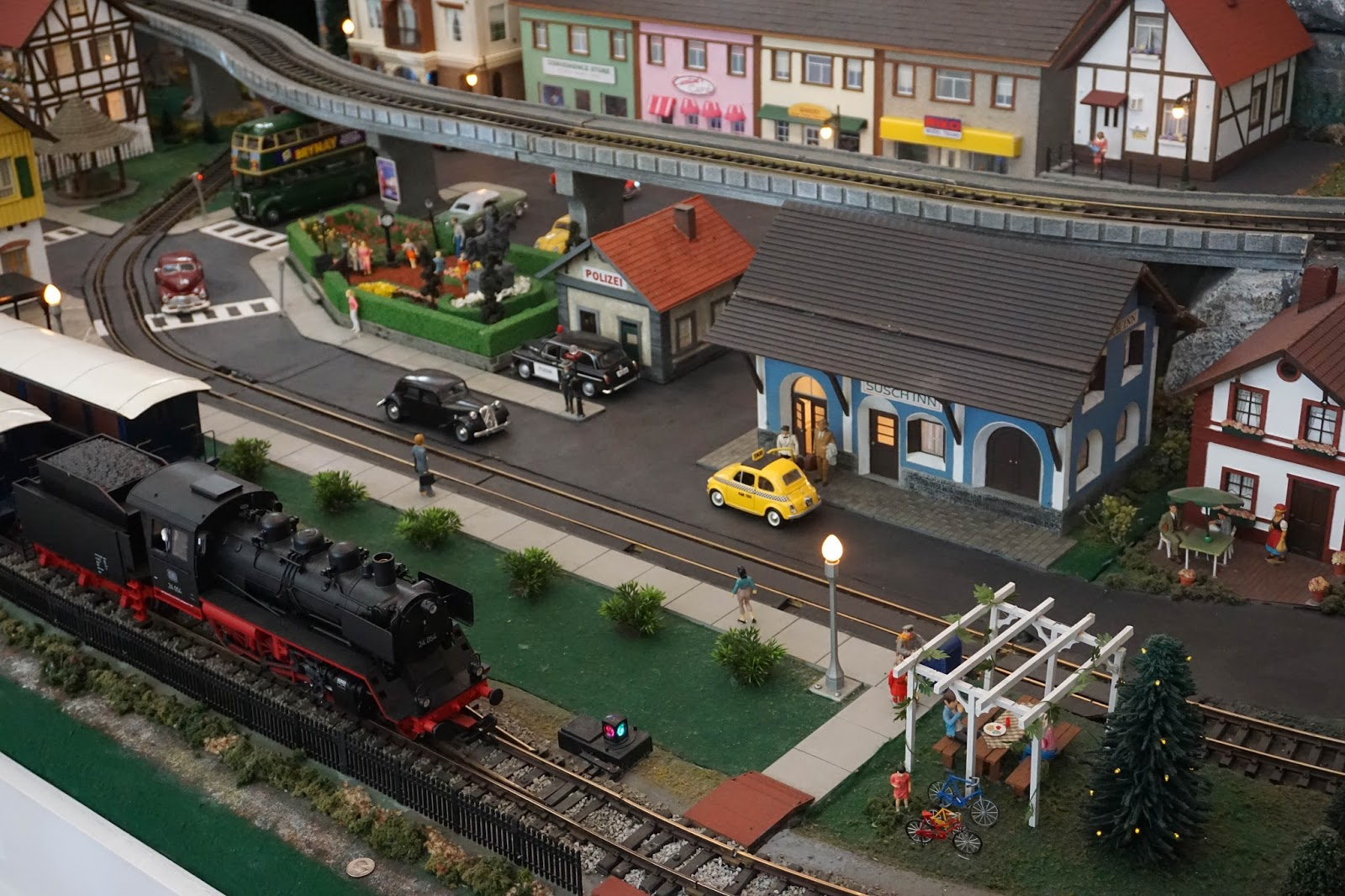 Charleston Daily Photo Model Train Display At Belmond