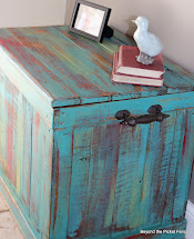 Picket Fence Pallet Chest