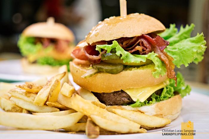 Taal Vista Hotel Tagaytay Lobby Lounge Burger