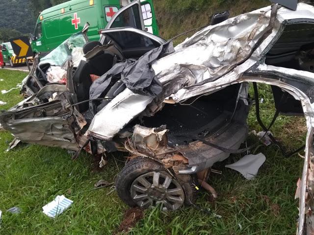 Guarapuava: Caminhão perde freio, passa por cima de dois veículos e mata três pessoas na Serra da Esperança