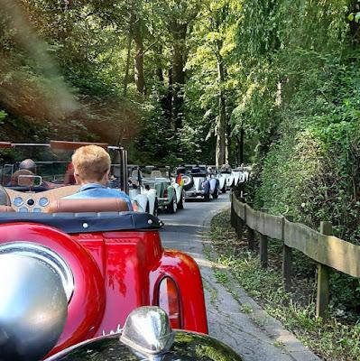 No sábado, os participantes do evento fizeram um passeio de MP Lafer pelas estradas de Heinsberg.