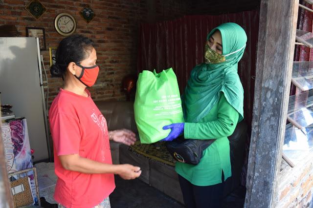 Jum'at Berkah Persit Kodim Klaten Salurkan Bantuan dari Ketua Umum Persit Kartika Chandra Kirana Pusat