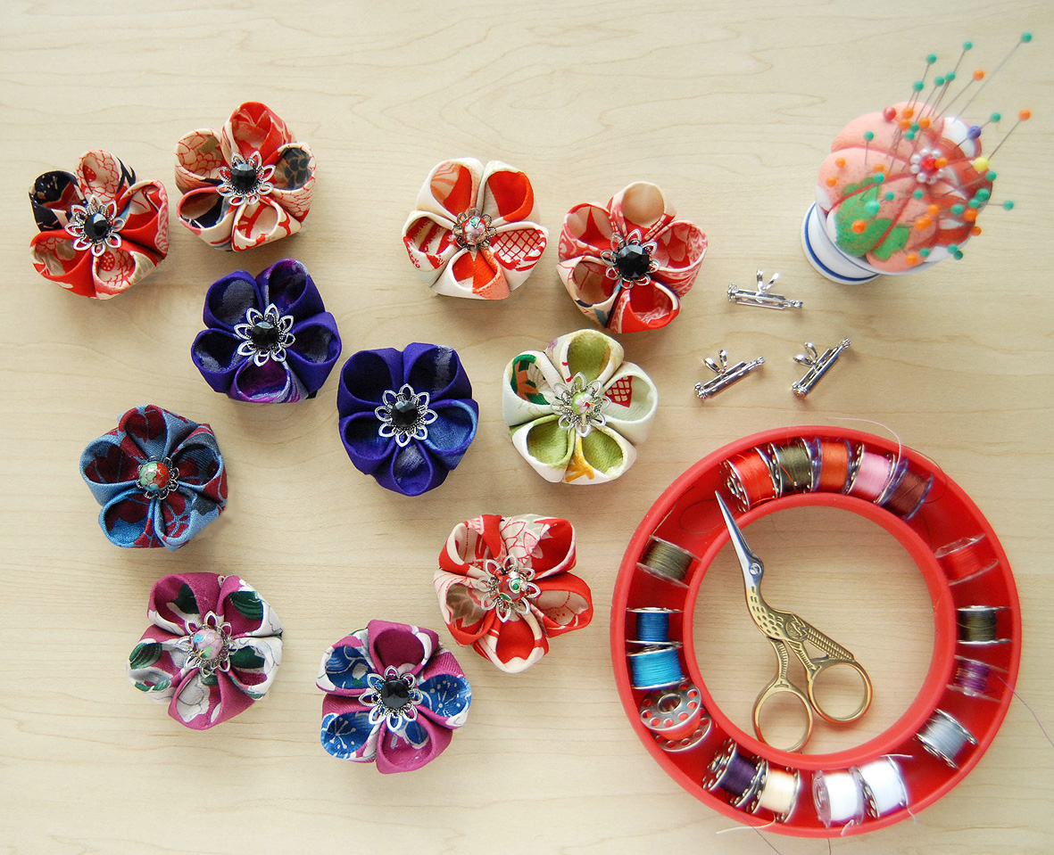 How To Make Anese Kanzashi Style Flower Brooches