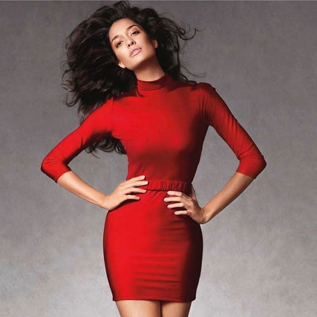 Lisa Haydon Red Hot Picture