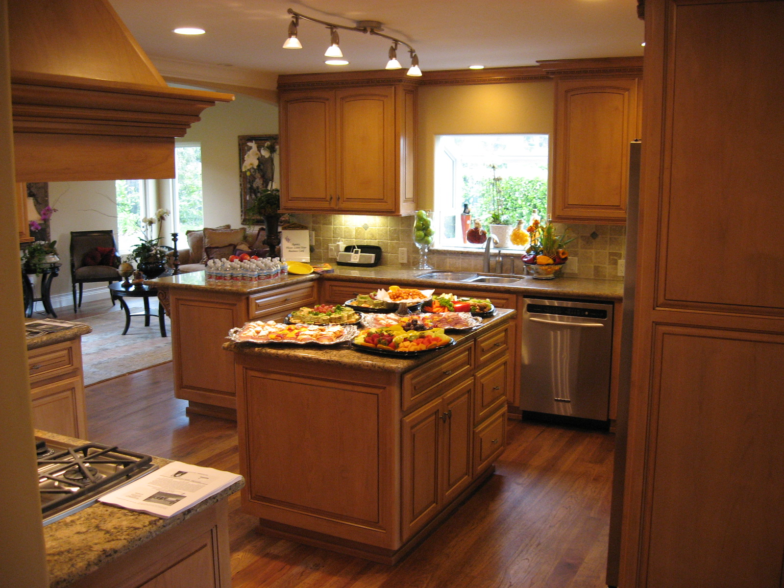 learning modules for commercial cooking in kitchen layouts