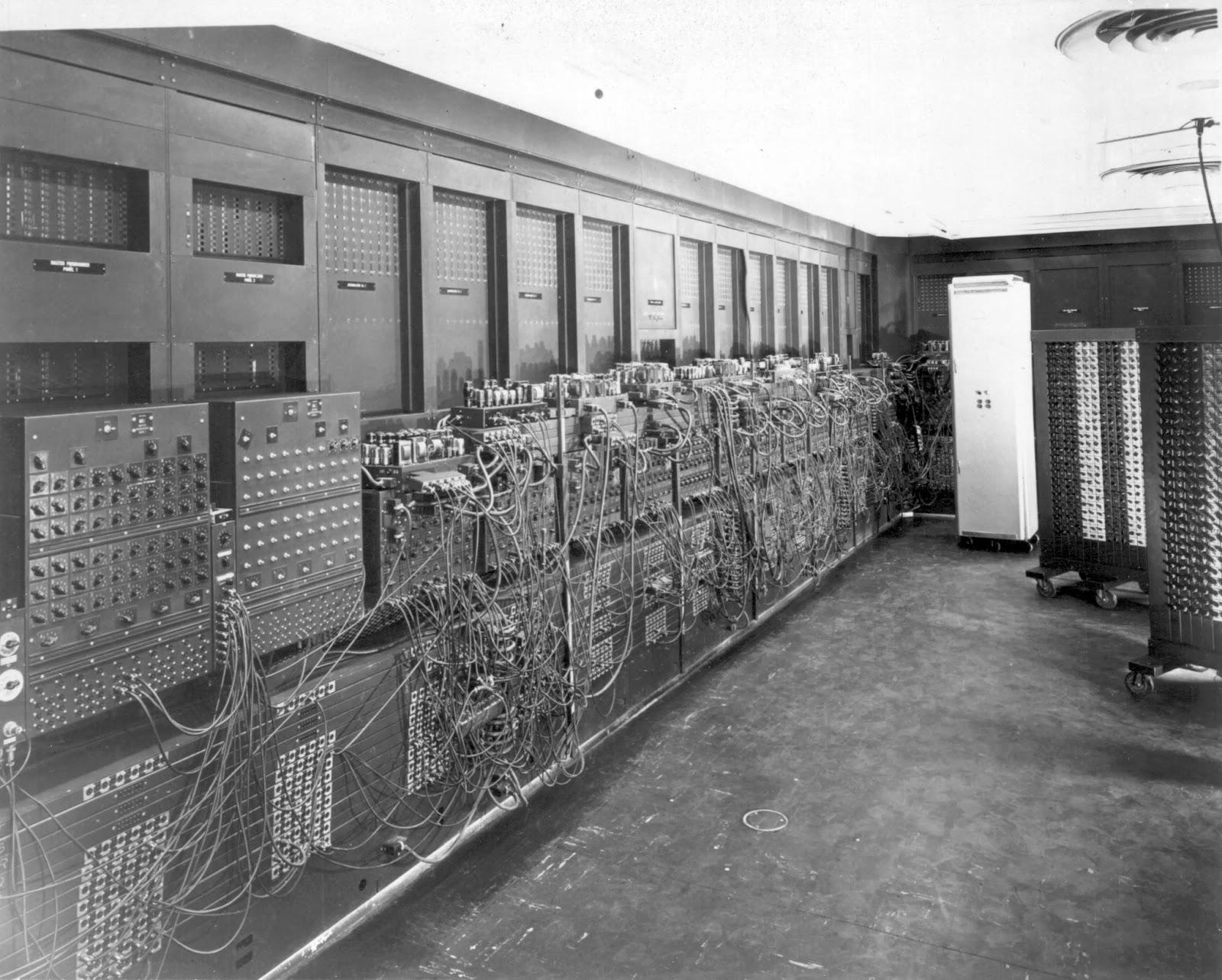 Primeiro computador do mundo ‹ GeekTecno