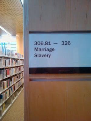 Bücherei lustig - Heirat und Sklaven Abteilung