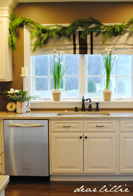 amazing kitchen christmas garland | Dear Lillie: Paperwhites and Jamie and Josh's Kitchen