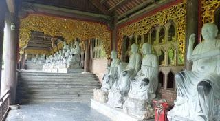 Ninh Binh. La Pagoda Bai Dinh. Estatuas de Arhat.