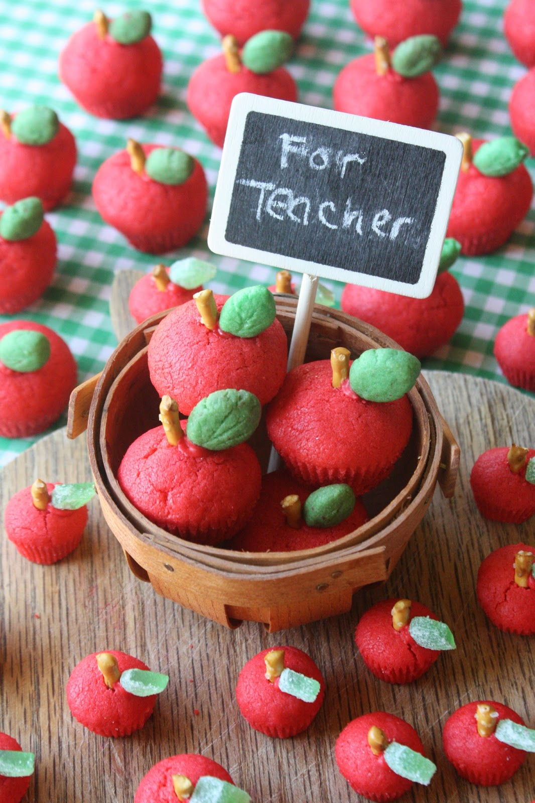 Munchkin Munchies 3d Sugar Cookie Apples For The Teacher
