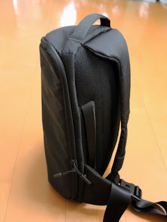 Incase DSLR Sling Pack CL58067 スリングバッグ12
