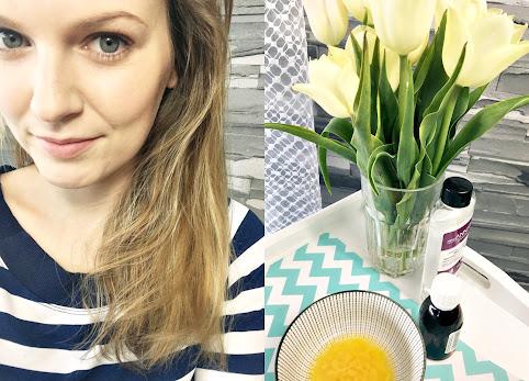 Olejek rycynowy na włosy efekty maseczki z naftą kosmetyczną i jajkiem. Maseczka na wypadające włosy.