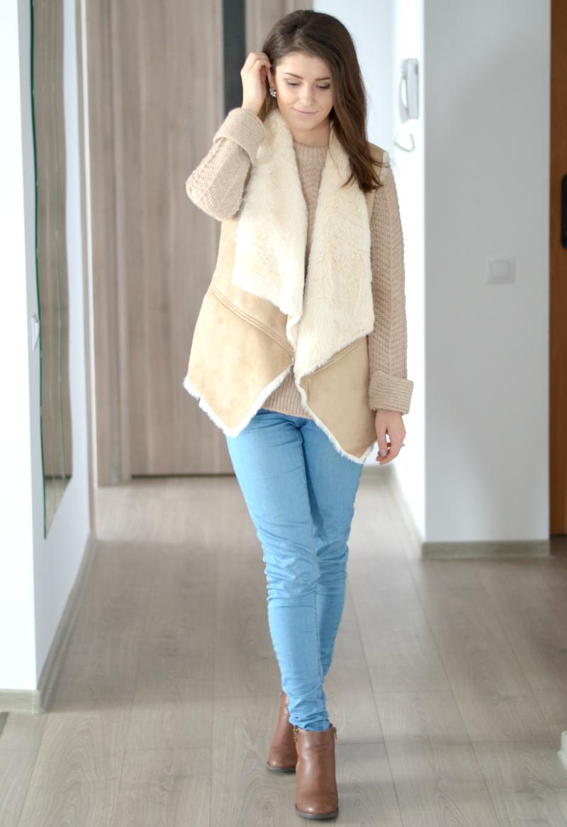 faux fur vest beige camel autumn winter outfit