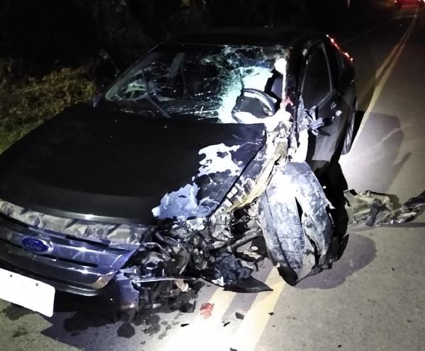 Colisão entre carro e moto deixa dois mortos e um ferido em Aracati, no Ceará