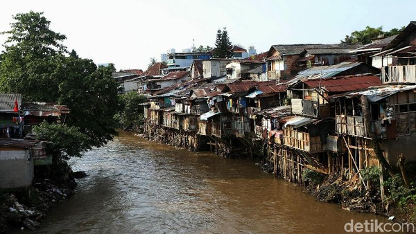 Jokowi Rujuk Master Plan Antibanjir '73, PDIP: Anies Harus Berani Gusur
