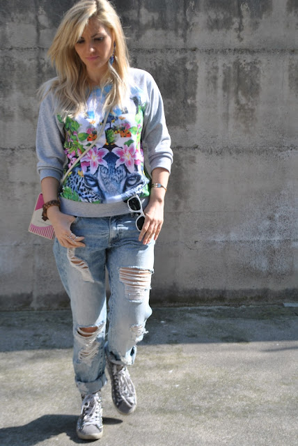outfit felpa grigia stampata come abbinare la felpa grigia stampata how to wear grey printed sweatshirt how to combine grey printed sweatshirt outfit primaverili spring outfit outfit marzo 2016 march outfit mariafelicia magno fashion blogger color block by felym fashion blogger italiane fashion blog italiani fashion blogger milano blogger italiane blogger italiane di moda blog di moda italiani ragazze bionde blonde hair blondie blonde girl fashion bloggers italy italian fashion bloggers influencer italiane italian influencer