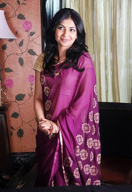 Actress Kamalini Mukerji Latest Stills In Saree Actress Trend