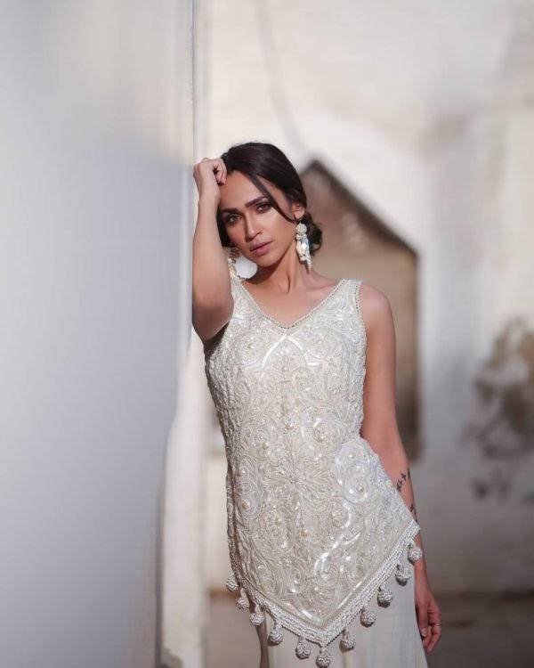 Actress Faryal Mehmood New Bold Photoshoot