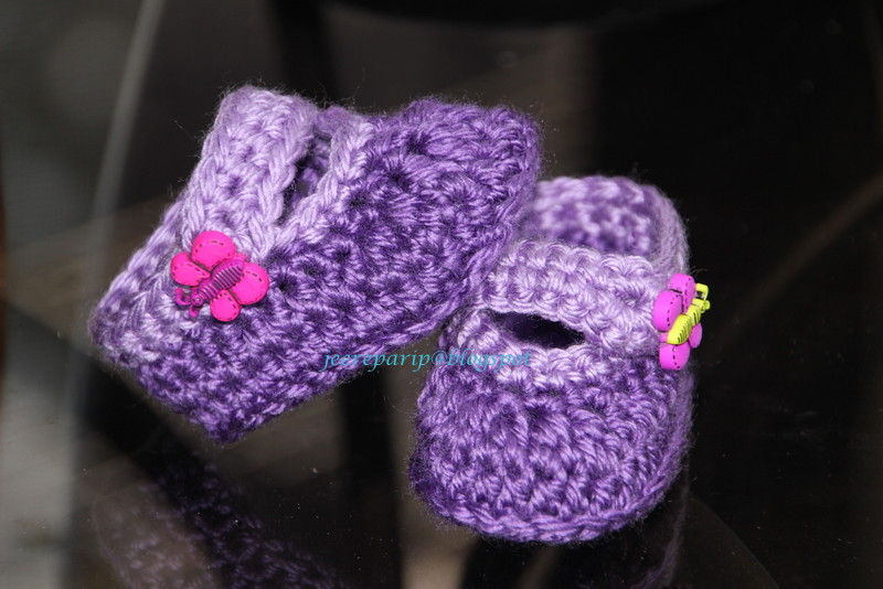 1344d839d73 learning to write  crochet baby booties