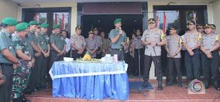 Dandim 0503/JB dan Kapolres Metro Jakbar pada HUT Bhayangkara ke-73