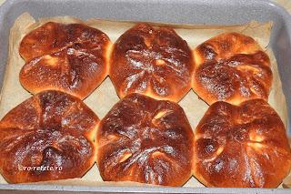 Poalen-n brau de casa reteta traditionala din Moldova Bucovina si Dobrogea cu branza dulce coapte la cuptor retete culinare de patiserie placinte branzoaice deserturi dulciuri gustari branzoaica placinta,