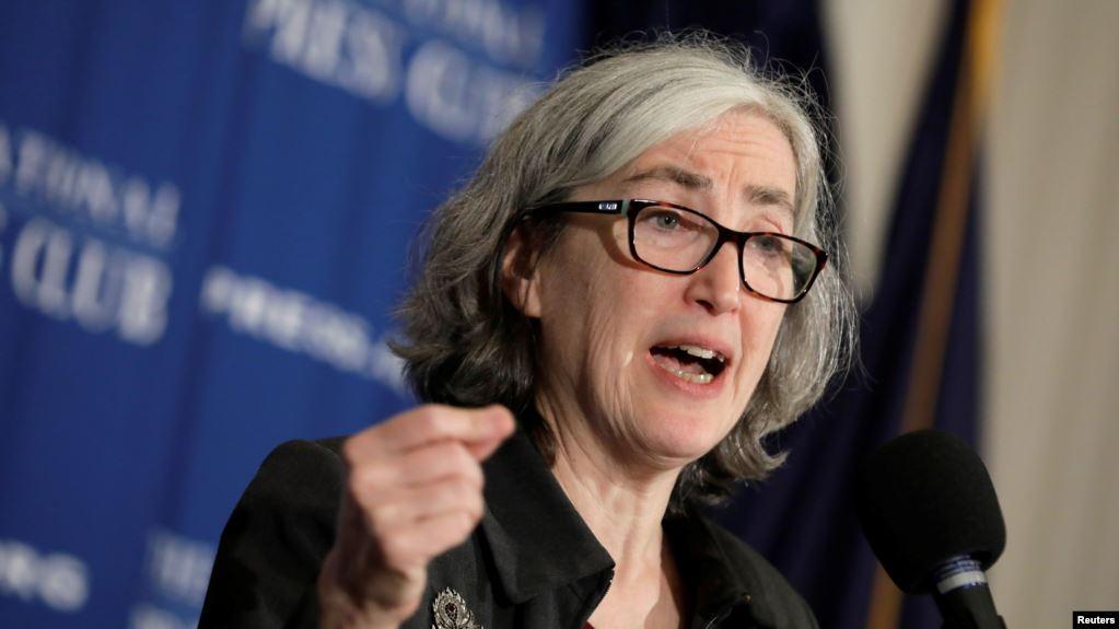 """La directora adjunta principal del CDC, Anne Schuchat, dijo en una rueda de prensa el martes que el incidente se dio """"probablemente por una confusion"""", según informó la cadena CNBC / REUTERS"""